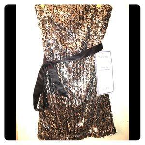Sleeveless short silver sequin dress